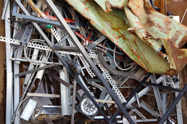 EISENSCHROTT Abfallschlüssel: 170405 Sortennummer: 4090 Lieferwerke: Recyclingwerk